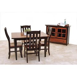 Elm Easton Settler's Table with 4 Fostoria Chairs